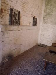 6_Tres estudios de 2005-6 (Tiza y acrílico sobre panel de aparador)