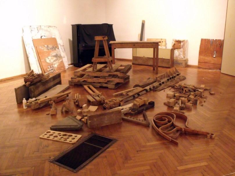 15_ÍCARO DESARMADO EN MUSEO BLANES - TOMSICH 2010